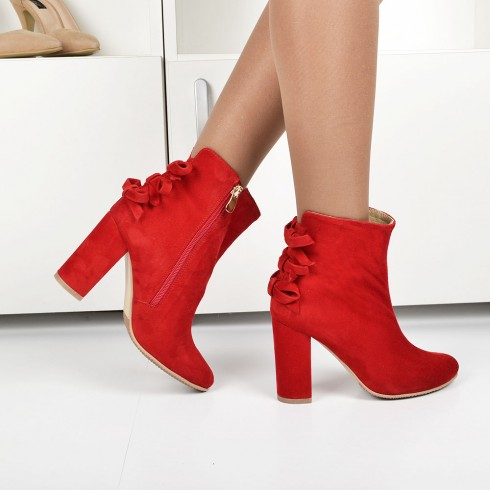 GHETE RED BOWS